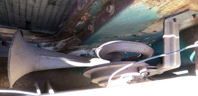 Viewing a thread - '57 Chrysler Horns